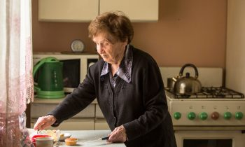 When Is it Time to Find Other Meal Preparation Solutions for Your Elderly Loved One?