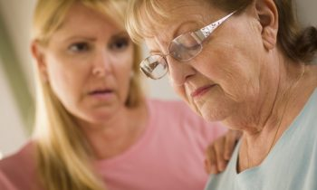 Tips for Effectively Communicating with an Elderly Adult in the Middle Stage of Alzheimer's Disease